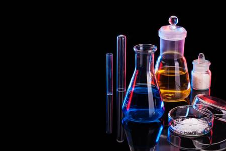 Bedah Praktikum Kimia: Sintesis Senyawa Kompleks cis- dan trans- Kalium Bisoksalatodiakuokrom(III)