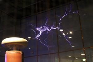 Contoh Tesla coil di pusat sains dan teknologi Australia.