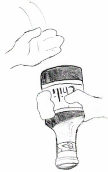 Cara yang salah (menurut fisika) untuk mengeluarkan sambal dari botol.