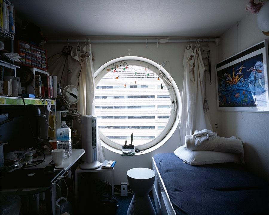 Rumah kapsul di Jepang. Gambar dari tinyhouseswoon.com.