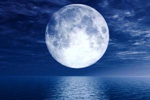 SUPERMOON: Ketika Bulan Gagal Menjadi Super