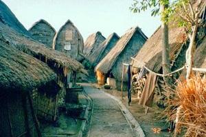 Rumah Adat Lombok yang Tahan Gempa